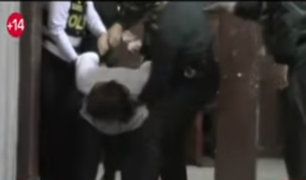 Trujillo: Mujer en aparente estado de ebriedad agredió a policías