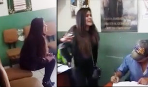 Arequipa: mujer en aparente estado de ebriedad agrede e insulta a policías
