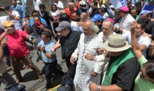 Nicaragua: grupo de paramilitares irrumpe en iglesia y agrede a obispos