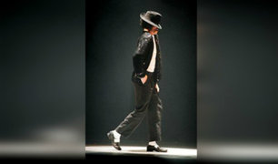 """""""Michael Jackson"""" causa furor al ganar pelea haciendo paso lunar"""