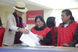 La infanta Elena de España llegó a Perú y visitó a niños y jóvenes de Huachipa