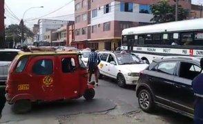 Rímac: reportan colapso vehicular por desfile escolar de Fiestas Patrias