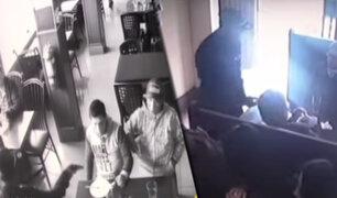 Cercado de Lima: ladrones asaltan chifa y despojan de sus pertenencias a comensales