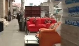 La Victoria: comerciantes de muebles y camas invaden la vía pública