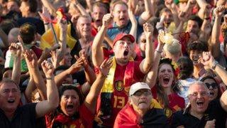 Hinchas belgas celebran tercer lugar a lo grande