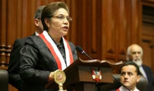 """Luz Salgado contestó en el Pleno a Daniel Salaverry sobre """"contrataciones irregulares"""""""