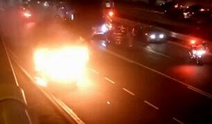 Vía Expresa: auto se incendió en plena avenida Javier Prado