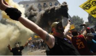 España: choferes protestan contra taxistas por aplicativo