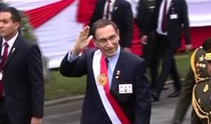 Presidente Martín Vizcarra llega para dar inicio a la Gran Parada Militar