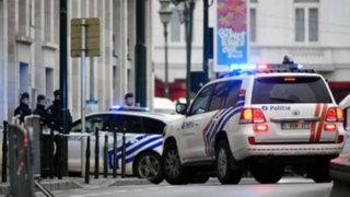 Bélgica: sujeto detonó cinturón de explosivos en un campo de fútbol