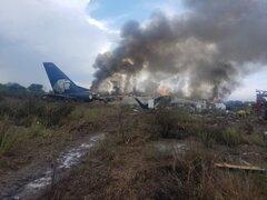 Tragedia en México: avión se estrella poco después de despegar en Durango