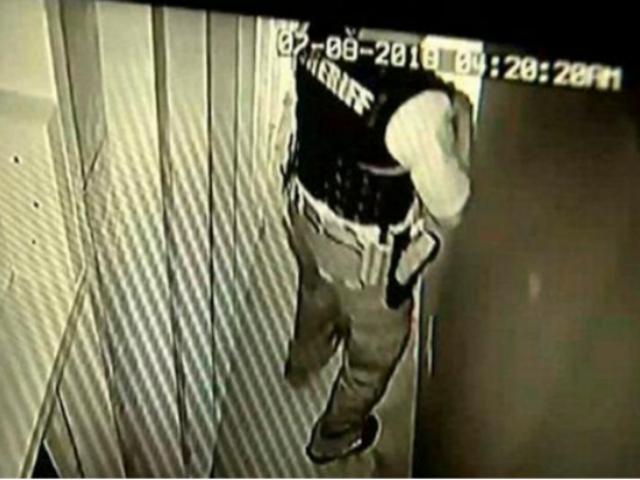 EEUU: ladrón queda atrapado en ascensor y pide ayuda a policías