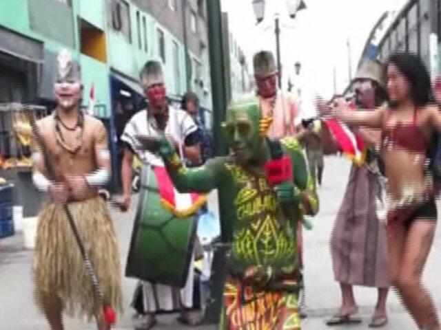 El Chullachaqui: peculiar duende invadió las calles de Lima al ritmo de música amazónica