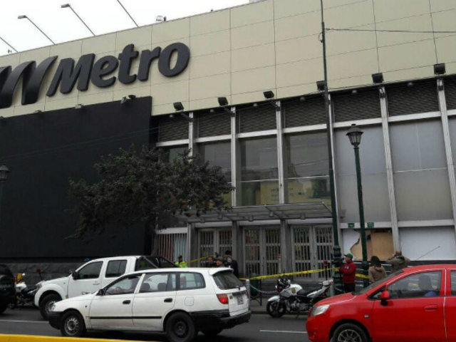Hallan feto en concurrido supermercado del Centro de Lima