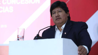 Edwin Oviedo entregó su pasaporte al Ministerio Público en medio de investigaciones en su contra
