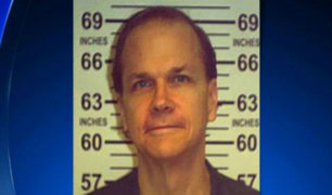 EEUU: asesino de Jhon Lennon podría salir de prisión