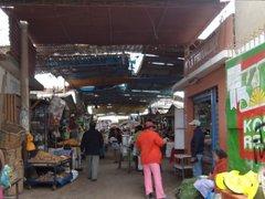 SMP: asaltaron 24 puestos de un mercado en pocos minutos