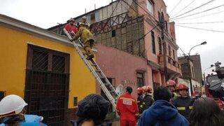 Rímac: varias familias fueron rescatadas tras derrumbe en una casona