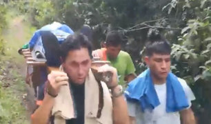 Junín: pobladores trasladan a sus muertos en hombros por falta de carretera
