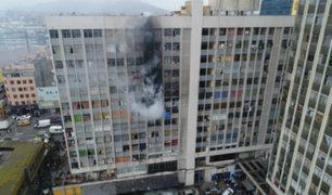 Incendio en Av. Abancay: bomberos controlaron el siniestro