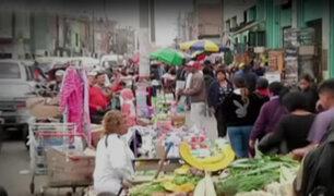 Callao: decenas de ambulantes invaden pistas y veredas para ofrecer sus productos