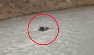 Junín: dos menores y su padre fallecieron tras caída de auto a río Mantaro