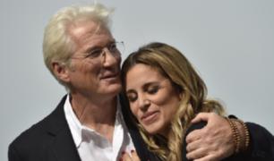 EEUU: Richard Geré será padre a los 69 años