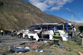 Ecuador: al menos 24 muertos y 19 heridos tras accidente de bus internacional