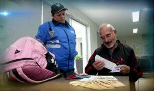 Trabajadora de serenezgo entregó más de 25 mil soles que fueron olvidados en parque de Miraflores