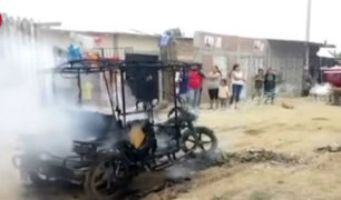Tumbes: vecinos queman mototaxi que había sido usado para robar