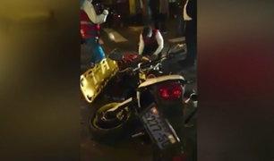 San Isidro: choque entre auto y moto dejó dos personas heridas