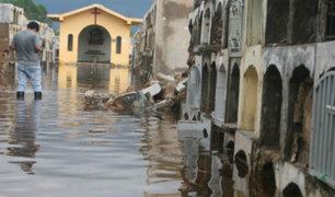 Junín: cerca de 100 nichos colapsaron tras inundación en cementerio