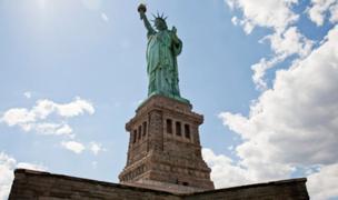 Evacuan Estatua de la Libertad tras explosión de tanques de gas propano