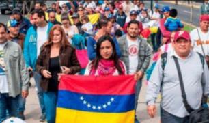 Cien venezolanos regresan a su país en avión pagado por Maduro