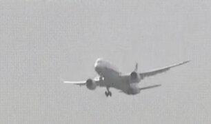 Japón: avión se balancea peligrosamente antes de aterrizar en medio de un tifón
