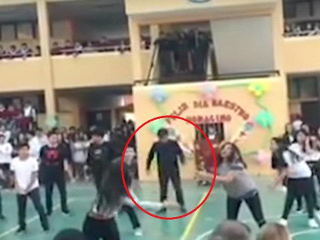 Escolar irrumpe en baile de sus compañeros y se vuelve viral