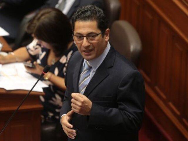 Salvador Heresi presentó demanda de amparo y acción popular contra disolución del Congreso