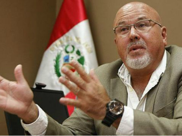 Carlos Bruce pedirá renuncia del directorio de Sedapal