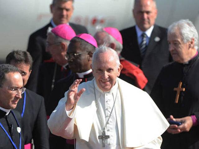 """Obispos peruanos ofrecen apoyo al Papa ante intento de """"desestabilizar a Iglesia"""""""