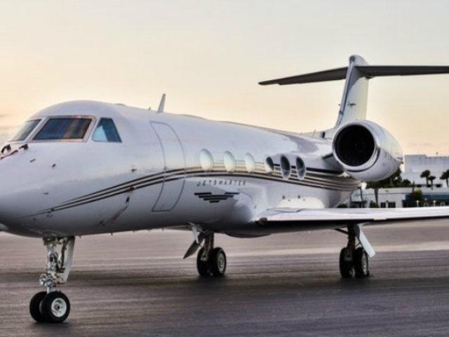 Futbolistas gastan millones en lujosos jets privados