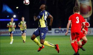 Usain Bolt debutó en el fútbol profesional