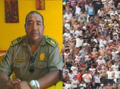 Murió policía que fue atacado por barristas durante clásico U-Alianza