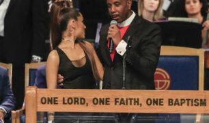 "Obispo se disculpó tras ""manosear"" a Ariana Grande durante funeral de Aretha Franklin"