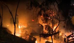 Surco: voraz incendio consume almacén de EMAPE