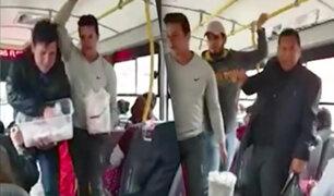 Sujeto insulta a extranjeros que vendían en bus de transporte público