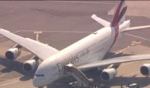 Alerta bacteriológica en Nueva York: Avión que llegó de Dubái es puesto en cuarentena