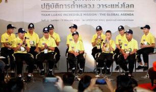 Tailandia agradece con cena para 10 mil personas rescate de niños de una cueva