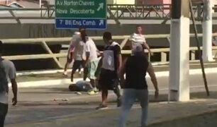 Brasil: hinchas golpean y roban a hombre ebrio