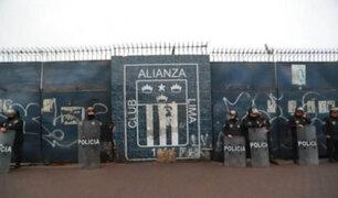 Hinchas de Alianza Lima pernoctaron en explanada del estadio de Matute