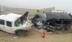 La Libertad: choque entre camioneta y miniván dejó una persona fallecida
